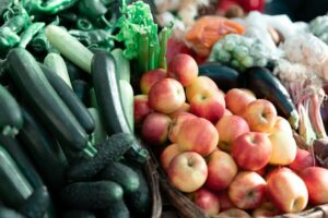 Food contributes to quarterly inflation rise