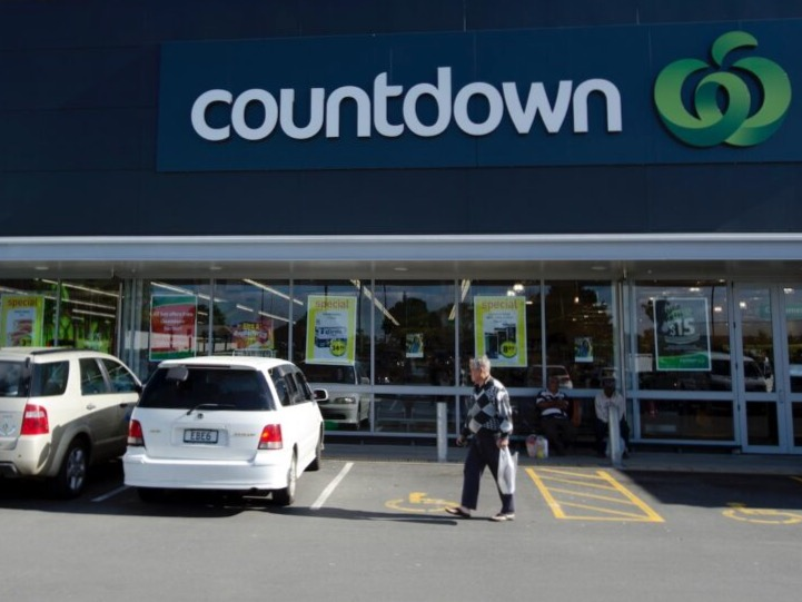 F&B retailers win quality service awards