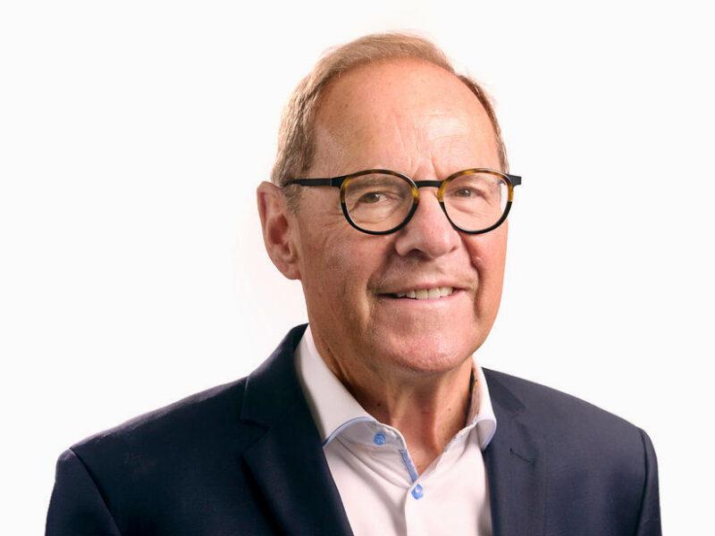 Falkenstein's JLG lifts profit 13%